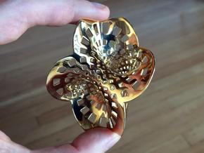 Trefoil spine (spine only, 3/4 scale) in Polished Brass