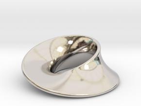 Minimal Mobius pendant (1 in) in Platinum