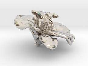 Lily Flower Rock 1 - M in Rhodium Plated Brass