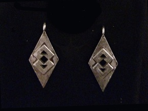 Triangle Earrings (Large) in Natural Silver