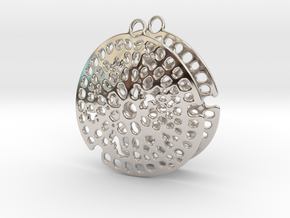 Radiolarian earrings in Platinum