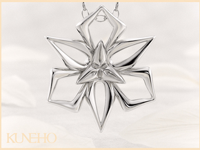 Great Lily Pendant in Fine Detail Polished Silver