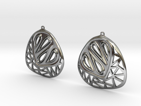 Organic and angular earrings in Fine Detail Polished Silver