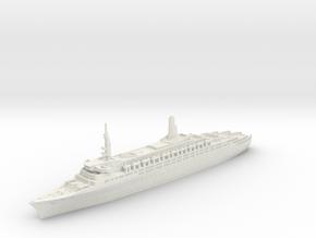 1:1800 Queen Elizabeth 2 QE2 (1969)  in White Natural Versatile Plastic