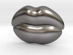 Kiss Me Belt Buckle in Polished Nickel Steel