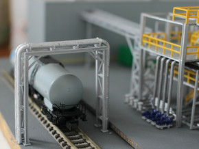 N Scale Pipe Bridge Single Track (incl 2 pipes) in Frosted Ultra Detail