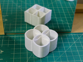 Ambiguous Cylinders : Linking Rings in White Natural Versatile Plastic