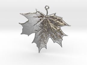 Lucky Maple Leaf in Natural Silver