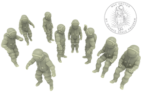 Generic Astronauts Set / 1:110 in White Natural Versatile Plastic