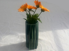Organic flower vase in Gloss Oribe Green Porcelain