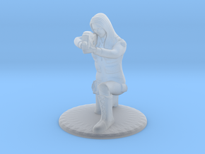 Soldier Crouched Aiming P90 - 20 mm in Smooth Fine Detail Plastic