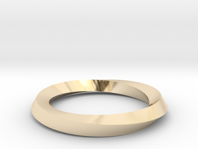 Mobius band in 14K Yellow Gold