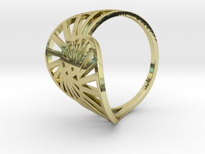 Nautilus Ring Size 6 in 18k Gold Plated