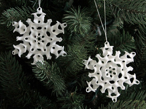 Gyroid Snowflake Ornament in White Strong & Flexible Polished