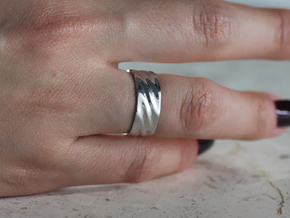 Ripple Ring in Rhodium Plated Brass: 7 / 54