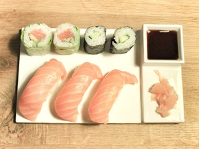 Platoo Sushi Plate in Gloss White Porcelain