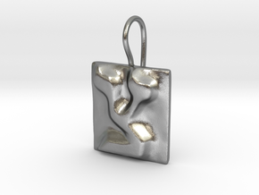 18 Tzadi Earring in Natural Silver