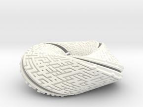 Knot Toromachus in White Processed Versatile Plastic