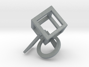 Geometric strap in Polished Metallic Plastic