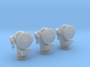 1/100 DKM 160cm Searchlight x3 in Smooth Fine Detail Plastic