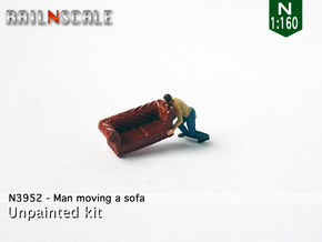 Man moving a sofa (N 1:160) in Smooth Fine Detail Plastic