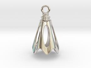 Flower Earring in Platinum