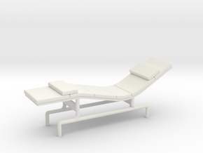 1:48 Eames Chaise in White Natural Versatile Plastic