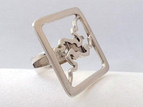 RING-RING RING Size 7 in Fine Detail Polished Silver