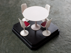 Miniature Tulip Table with 4 Chairs - Eero Saarine in White Strong & Flexible: 1:24
