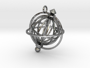 Spinning Globe Pendant in Interlocking Polished Silver: Medium