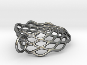 Mobius Mesh - Pendant in Metal in Polished Silver