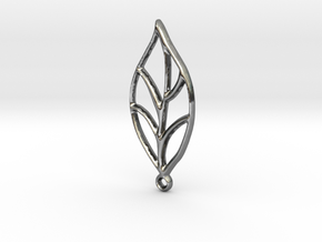 Leaf Pendant in Fine Detail Polished Silver