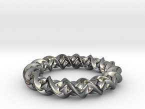 Twistic in Polished Silver: Medium