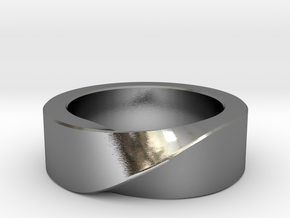 Mobius 1 Ring in Polished Silver: 10 / 61.5
