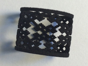Twill Weave Structure Ring Size 6.5 in Black Natural Versatile Plastic
