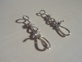 Trucker's hitch earrings in Fine Detail Polished Silver