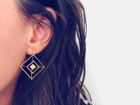 Earrings cube (big) in Natural Brass