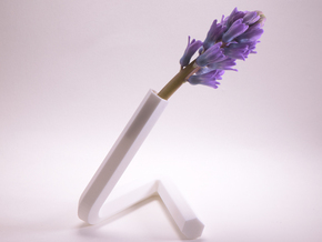 little triangle vase. h-section in White Processed Versatile Plastic