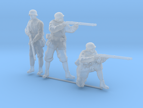 1/87th (H0) scale 3 x Hungarian soldiers in Smooth Fine Detail Plastic