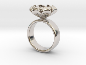Flower Ring in Rhodium Plated Brass