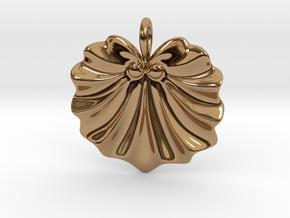 Seashell Fan Pendant in Polished Brass