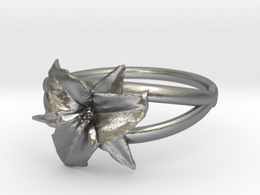 Trillium Ring in Natural Silver
