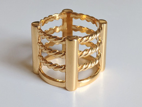 Wrestling Ring in 18k Gold Plated Brass