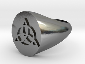Triquetra Ring size Y/12 in Polished Silver