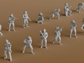 1:144 Soldiers Combat 1 Group 1 - 13 in Smooth Fine Detail Plastic