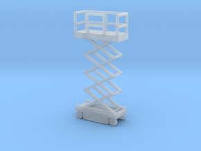 JLG Scissor Lift - Middle Position - Zscale in Smooth Fine Detail Plastic