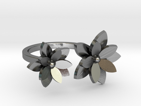Flower Ring  M in Polished Silver: Medium