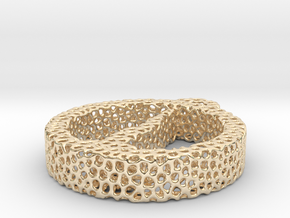1ac_voronoi yoga in 14k Gold Plated Brass