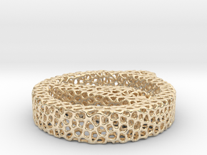 1ag_voronoi yoga in 14k Gold Plated Brass