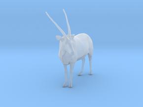 Gemsbok 1:32 Standing Male in Smooth Fine Detail Plastic